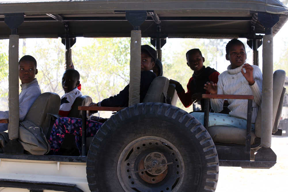 Children-on-game-drive